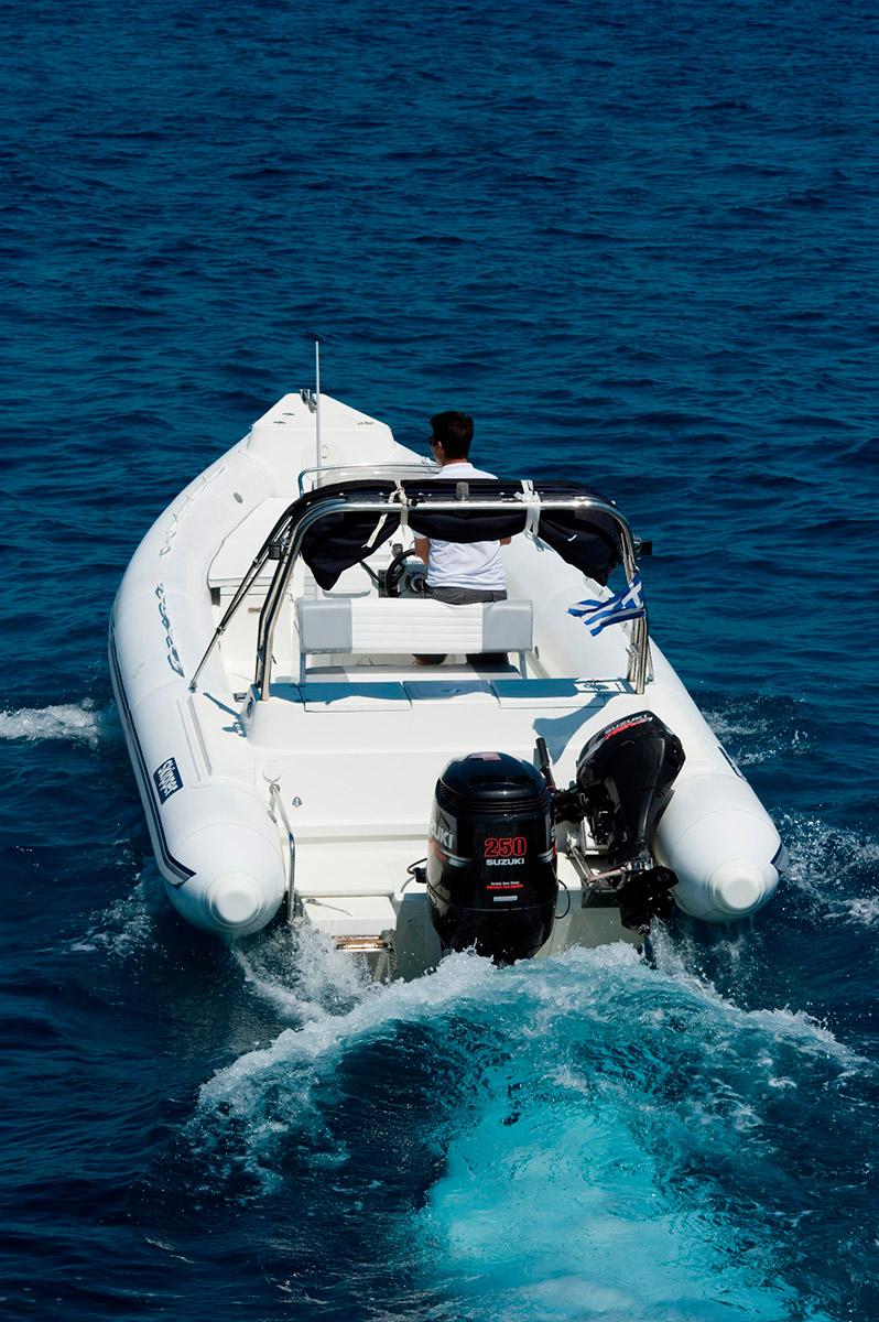 Boat Skipper 8m - Akeydor Boat Cruises