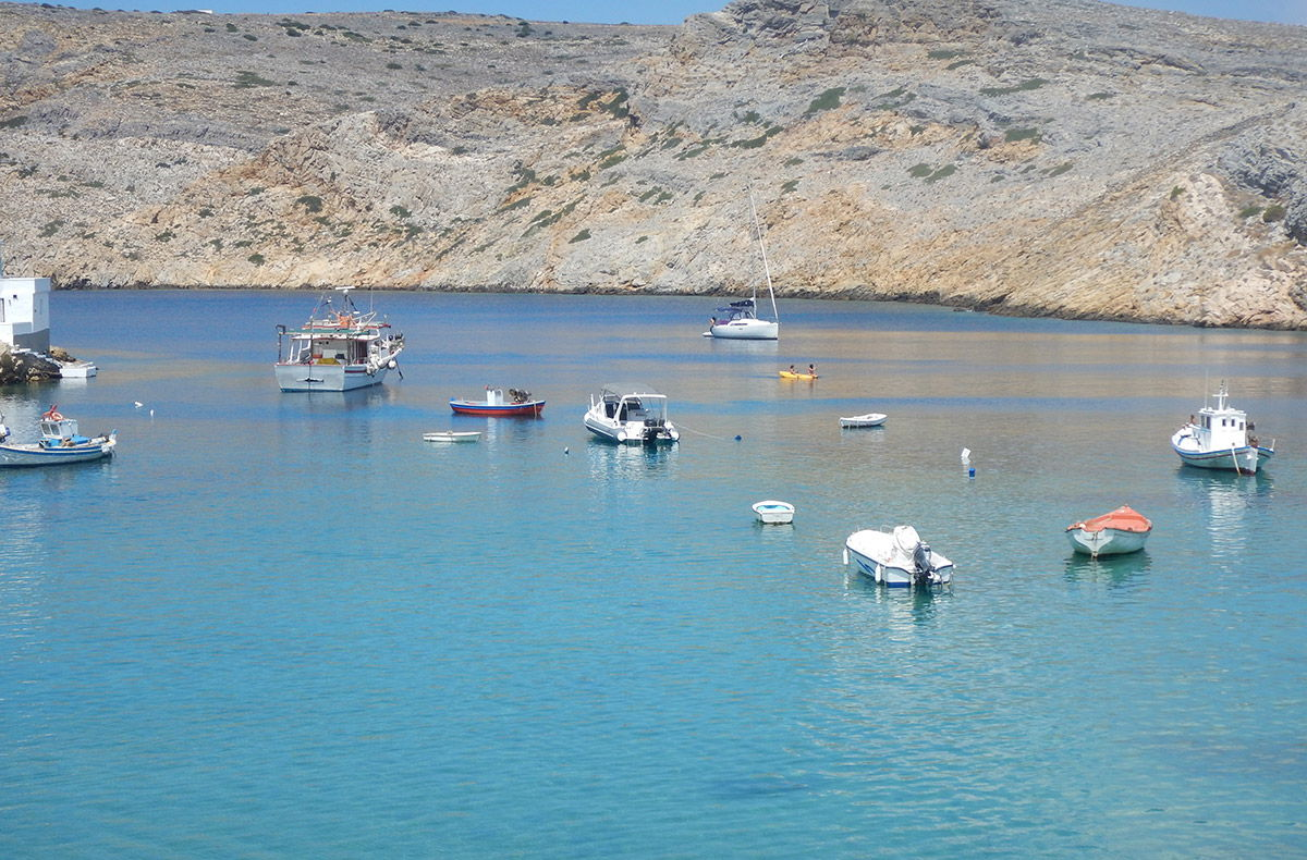 August 2018 - Boating in Cyclades - Sifnos Cheronissos